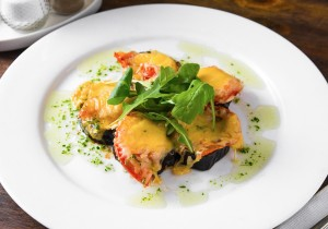Баклажаны по-Гречески запеченные с помидоркой и сырной корочкой